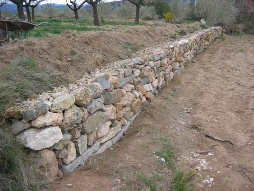 Muros de piedra trabajos en piedra heredia - Muros de piedra ...